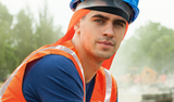 Bauarbeiter mit E.COOLINE Powercool SX3 BandanaPro mit Nackenschutz