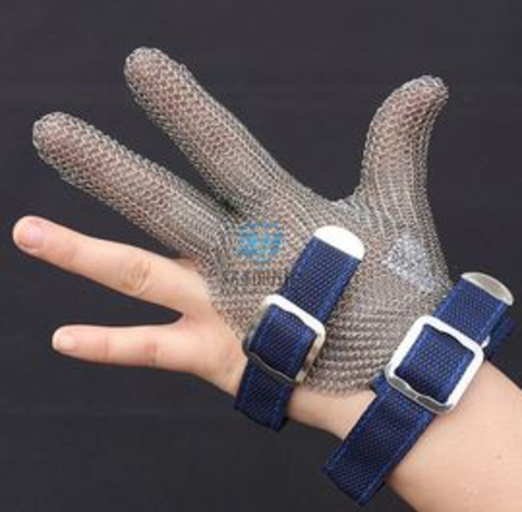 3101- Three Finger Stainless Steel Mesh Chainmail Glove With Textile Strap For Cut Resistant
